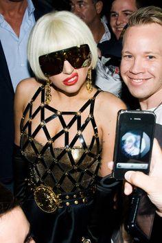e0154e5b4a8 Lady Gaga rocking gold in South Africa! Lady Gaga Sunglasses