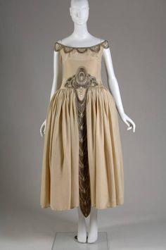 Robe de Style, 1927. Silk moiré, glass beads, pearls, metallic thread. Jeanne Lanvin, France. Front