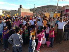 Con vecinos de la Colonia Tierra y Libertad, de Guadalupe #Zacatecas. @Rafael_FloresM @Luis Cházaro #GerardoRomo pic.twitter.com/zHlTYuJJpo
