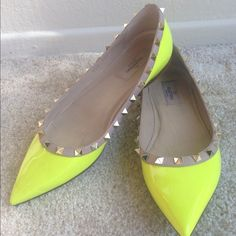 Valentino Rockstud Neon Flats- seriously want this !!!