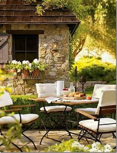 outdoor space Living room - Home and Garden Design Ideas outdoor rooms Outdoor Rooms, Outdoor Dining, Outdoor Gardens, Outdoor Furniture Sets, Outdoor Decor, Garden Furniture, Patio Dining, Patio Kitchen, Dinning Table
