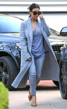 Even dressed down in jeans and a gray t-shirt, Kim Kardashian looks fierce!!