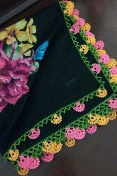 Sowohl Easy als auch Beautiful Crochet Floral Beaded Needlework Models - Blumen Crochet Lace Edging, Crochet Motifs, Crochet Borders, Crochet Flower Patterns, Crochet Flowers, Crochet Stitches, Beading Tutorials, Beading Patterns, Embroidery Patterns
