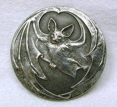 Old French Metal Button Art Nouveau Flying Bat Design French Country Rug, French Country Decorating, Metal Buttons, Vintage Buttons, Bat Design, 3d Cnc, Art Nouveau Jewelry, Look Vintage, Button Art