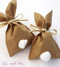 Crafting instructions for cute bunny bags made of wrapping paper - Bunny Party - Oster Bunny Party, Easter Party, Easter Gift, Easter Crafts, Crafts For Kids, Easter Presents, Easter Table, Kids Diy, Happy Easter