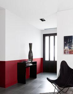 Peindre Un Mur En Deux Couleurs Dynamisez Vos Espaces Grace A Un Mur Bicolore Elle Decoration Peindre Mur Peinture Mur Interieur Decoration Chambre Parentale