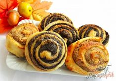 Mákos és diós csiga   TopReceptek.hu 20 Min, Muffin, Sweets, Cookies, Breakfast, Cake, Recipes, Country Music, Dios