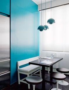 TURQUOISE TOUCHES IN KITCHEN