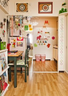 This cool space is also from the small space in Japan (the pin I posted w the aqua colored wallpaper & bright yellow frame). ♥