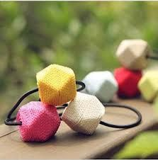 yarn hair accessories - Buscar con Google Crochet Hair Clips, Crochet Hair Styles, Ball Hairstyles, Headdress, Baby Shoes, Weaving, Hair Accessories, Place Card Holders, Kids
