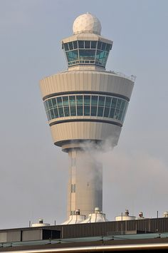 AMSTERDAM AIRPORT SCHIPHOL | HAARLEMMERMEER | AMSTERDAM | THE NETHERLANDS: *AMS: 1 Passenger Terminal; 6 Runways*
