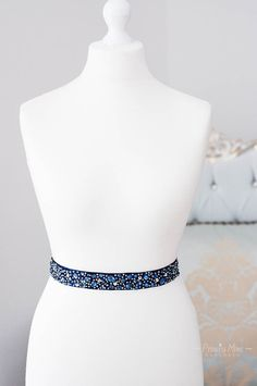 *♥Pimp your Dress♥*  Einzigartiger Satingürtel mit Strass-Applikation. Den Gürtel stellt für das Hochzeitskleid ein stilvolles Accessoire da, der nicht nur ein Hauch von Eleganz, sondern vor...