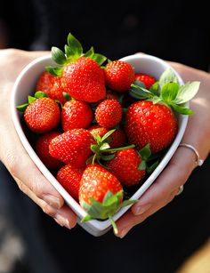 EAT HEALTHY Heart bowl of strawberries