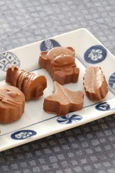 Chokolade konfekt med knas - Opskrift fra Bageglad.dk