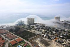 Spectacular 'cloud tsunami' rolls over Florida high-rise condos Panama City Beach Attractions, Panama City Florida, Costa, Tsunami Waves, Wild Nature, Sea And Ocean, Natural Phenomena, Science And Nature, Key West