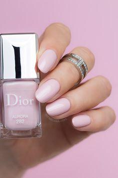 Light pink nails \\ millennial pink - Dior Aurora polish from Diorsnow collection