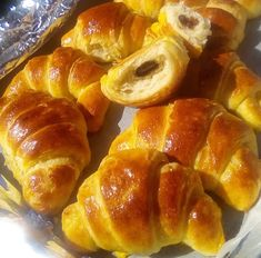 The Kitchen Food Network, Food Gallery, Party Desserts, Yams, Greek Recipes, Pretzel Bites, Food Network Recipes, Donuts, Sausage