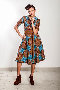 Shirt dress with African Print by Noh Nee Foto: Attila Henning Shop: http://www.nohnee.com/collections/afrikanische-kleidung/products/hemdblusenkleid