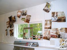 chicken wire on the wall for a hanging idea board... great concept for craft room