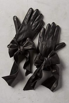 Streaming Bow Leather Gloves - anthropologie.com