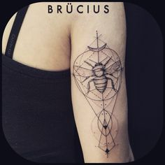 #BRÜCIUS #TATTOO #EUROPE #tour #SanFrancisco #brucius #natural #science #engraving #etching #sculptoroflines #dotwork #blackwork #penandink #lines #nature #bee #geometry #stacytang #inspiredby #HannaStouffer