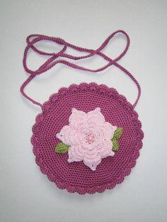 Umhängetaschen - Romantische Tasche mit Riesenblüte - ein Designerstück von musterwerke bei DaWanda
