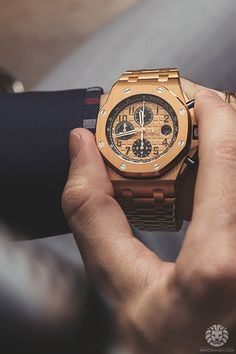 Audemars Piguet Royal Oak Offshore in Pink Gold.Read the full article on watchan… – Men's style, accessories, mens fashion trends 2020 Dream Watches, Men's Watches, Luxury Watches, Cool Watches, Fashion Watches, Watches For Men, Stylish Watches, Richard Mille, Audemars Piguet Watches