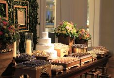 Classic decoration for a classic wedding Wedding Night, Wedding Reception, Rustic Wedding, Party Food Presentation Ideas, Desert Table, Dessert Buffet, Le Chef, Cake Pops, Wedding Cakes