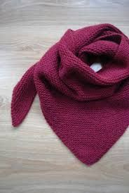 Still a pretty trendy anaïk, with Sophie's tutorial and explanation of the blockage - Trendy burgundy shawl - A mouse in my dressing room Source by estelloa Diy Tricot Crochet, Knitting Projects, Knitting Patterns, Ikea Kids, Mo S, Knitting Accessories, Knitted Shawls, Mittens, My Favorite Things