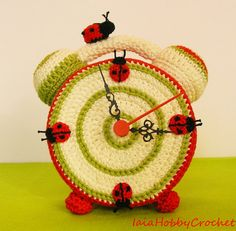 Crochet Clock Actually Working crochet clock por IaiaHobbyCrochet