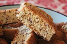 An easy and delicious South African All Bran Rusks recipe that used easy accessable pantry ingredients to deliver a delicious bran rusk. South African Dishes, South African Recipes, Kos, Buttermilk Rusks, Rusk Recipe, Hard Bread, Healthy Breakfast Snacks, All Bran, Mouth Watering Food