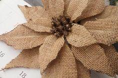 flores en yute - Buscar con Google Burlap Flowers, Burlap Ribbon, Diy Flowers, Fabric Flowers, Burlap Wreath, Burlap Projects, Burlap Crafts, Wood Crafts, Burlap Pictures