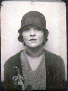 "sydneyflapper: ""Evocative 1920s photobooth image. """