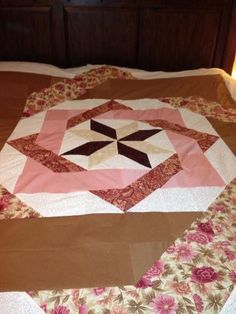 labyrinth quilt king size Rose and Brown