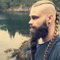BaviPower is now presenting some awesome Viking beard styles in this Part 2 of Viking Beard Tips and Styles. We hope our recommendations will help you finish your Viking look. Pick your favorite beard styles and try it now. Viking Beard Styles, Beard Styles For Men, Hair And Beard Styles, Long Hair Styles, Great Beards, Awesome Beards, New Beard Style, Viking Haircut, Viking Braids