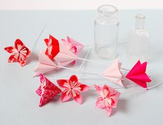 Fleurs en origami DIY - Adeline Klam Adeline Klam, Diy Fleur, Play Doh, Kirigami, Origami Paper, Quilling, Creative Art, Paper Flowers, Creations