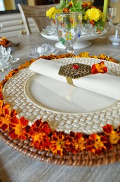 The I ndian new year, Deepawali is right around the corner (November Deepawali is one of the biggest festivals of India for Hindus. Food Centerpieces, Table Centerpieces For Home, Diwali Decorations, Festival Decorations, Table Decorations, Semarang, Indian Table, Diwali Party, Kitchen Tiles Design