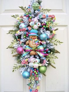 Whimsical Christmas Trees, Christmas Tree Images, Retro Christmas Decorations, Christmas Swags, Xmas Wreaths, Noel Christmas, Pink Christmas, Christmas Themes, Christmas Crafts