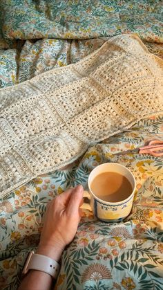 Coco Rose Diaries Crochet Home, Knit Crochet, Coco Rose Diaries, Small Blankets, Pip Studio, Little Pumpkin, Arm Warmers, Projects To Try, Diy Crafts