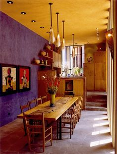 Mexican Dining Room With Wooden Furniture And Hanging Lights : Colorful And Charming Mexican Interior Design Mexican Dining Room, Mexican Bedroom, Mexican Home Decor, Mexican Kitchen Decor, Mexican Kitchens, Dining Room Wall Decor, Dining Room Design, Bedroom Decor, Decor Room
