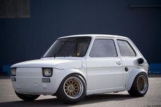 FIAT 126 | Cette seconde image est un montage photoshop de la 126A de Porco Rosso ...