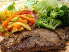 Contra filé brócolis legumes e salada . . Para mais 23 receitas low-carb grátis acesse o link da minha bio ( http://ift.tt/29YBk7P ) . . #senhortanquinho #paleo #paleobrasil #primal #lowcarb #lchf #semgluten #semlactose #cetogenica #keto #atkins #dieta #emagrecer #vidalowcarb #paleobr #comidadeverdade #saude #fit #fitness #estilodevida #lowcarbdieta #menoscarboidratos #baixocarbo #dietalchf #lchbrasil #dietalowcarb