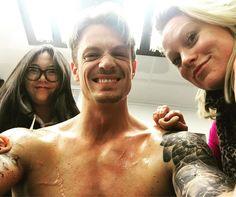 いいね!12.6千件、コメント123件 ― Joel Kinnamanさん(@joelkinnaman)のInstagramアカウント: 「#AlteredCarbon Cleanup crew! I love my tattoos but taking 90 min every day to cover them up does…」