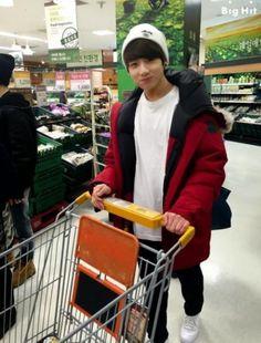 Jungkookieeeee~ this is so boyfriend material