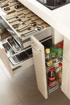 Modern Kitchen - Crazy Creative Kitchen Storage Ideas-Among the regions in a home where there's a considerable measure of activity is occurring is the kitchen. Kitchen Cabinet Organization, Kitchen Drawers, Kitchen Cabinet Design, Kitchen Pantry, Interior Design Kitchen, Diy Kitchen, Kitchen Storage, Kitchen Decor, Kitchen Cabinets