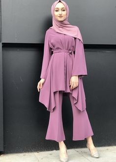 Fashion Tips Dresses .Fashion Tips Dresses Modern Hijab Fashion, Street Hijab Fashion, Hijab Fashion Inspiration, Abaya Fashion, Muslim Fashion, Modest Fashion, Fashion Dresses, Korean Fashion, Hijab Dress Party