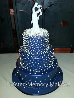 Blue wedding cake!