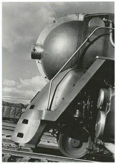 [New York Central Twentieth Century Limited steam locomotive 5453]