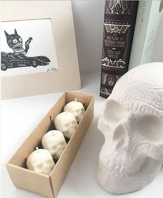 Unique Candles, Best Candles, White Candles, Diy Candles, Tea Light Candles, Tea Lights, Halloween Bags, Spooky Halloween, Skull Candle