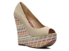 Love this shoe! I'm really liking wedges. Not sure it is an everyday shoe for me, but I still want it!